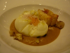 Poached egg in chestnut sauce