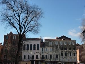 Cannaregio - Campo del Ghetto Nuovo (Piazza of the New Ghetto)