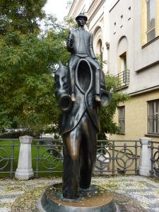 Bronze statue of Franz Kafka near the Spanish Synagogue