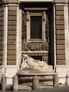 Quattro Fontane - goddess Diana (northwest corner)
