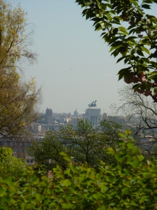 Vittorio Emanuele II monument (from the garden)