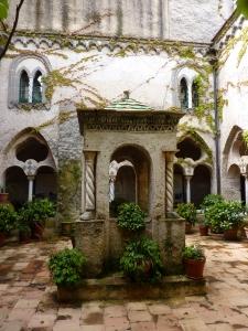 Villa Cimbrone cloister