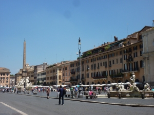 Looking at the east side of the piazza - note the obelisk on top of the Four Rivers Fountain in the center of the piazza
