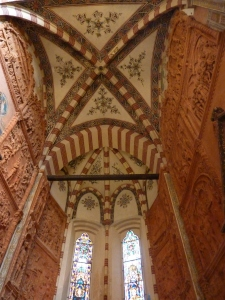 Sant'Anastasia - Pellegrini Chapel - walls are covered with 24 tableau in terracotta that tell the story of Christ's life (Michele da Firenze, 1435)