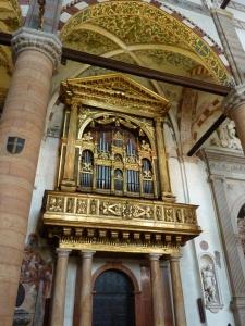 Sant'Anastasia - organ