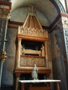 Duomo - Mazzanti Chapel - sarcophagus and ark of Sant'Agata (1353)