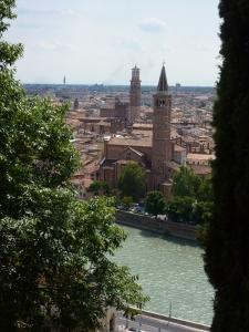 Sant'Anastasia -  the church next to the river