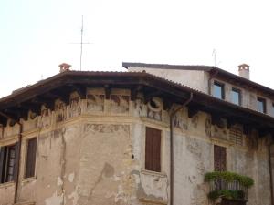 Painted house near Ponte Pietra