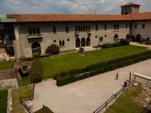 Castelvecchio - interior courtyard