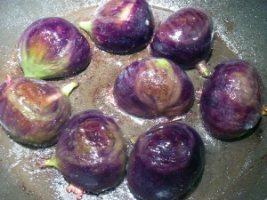 Cooking the figs in butter