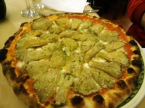 Kate's delicious mushroom pizza at Pizzeria la Vecchia Gioia in Gioia del Colle